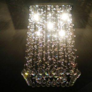 Plafón cuadrado con bolas de cristal